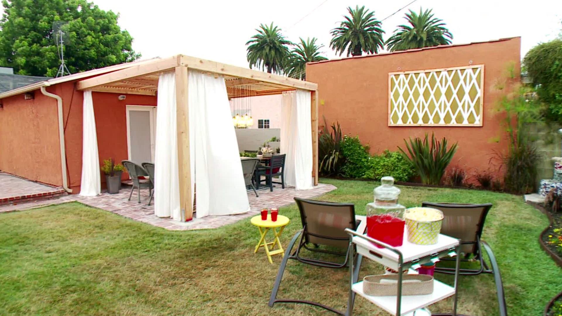 12 Budget-Friendly Backyards - Castel